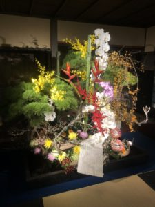 博多帯と生花のコラボ